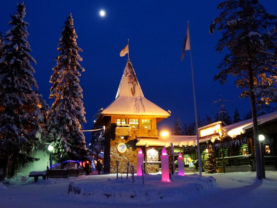 Rovaniemi Lapponia Babbo Natale.L Ufficio Postale Principale Di Babbo Natale Nel Villaggio